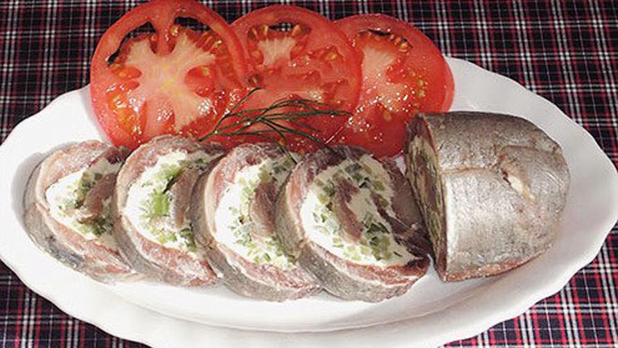Красивая и вкусная закуска из сельди пошаговый фото рецепт