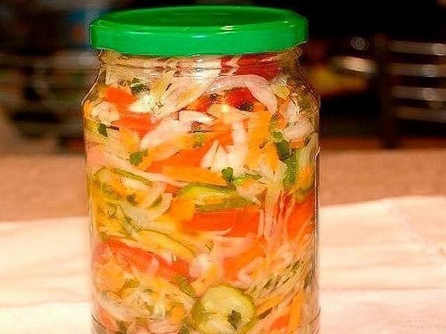 летний салат из капусты на зиму