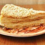 Торт наполеон — старый и проверенный рецепт.