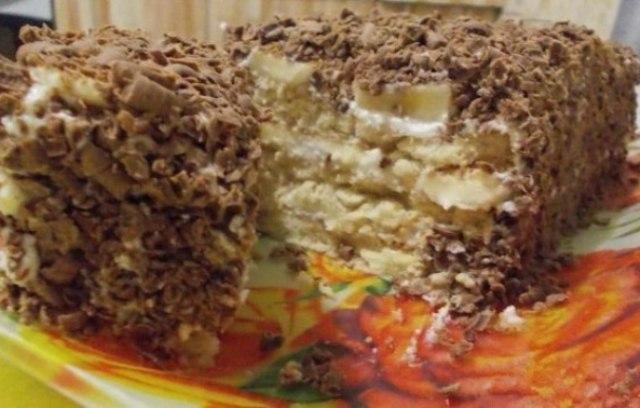 Творожный торт с печеньем.