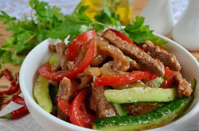 Огурцы с мясом по-корейски (веча)