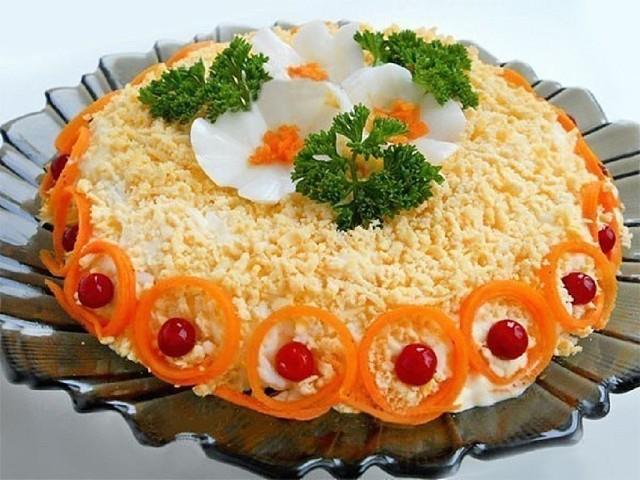 Самая лучшая подборка новогодних салатов для праздничного стола!