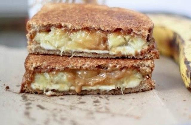 Сырно-банановый бутерброд
