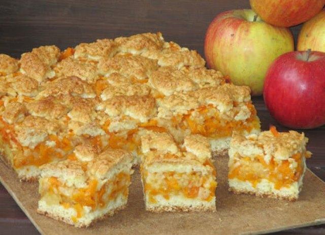 Песочный пирог с тыквой и яблоками