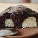 Шоколадный пирог с творожными шариками! 😋