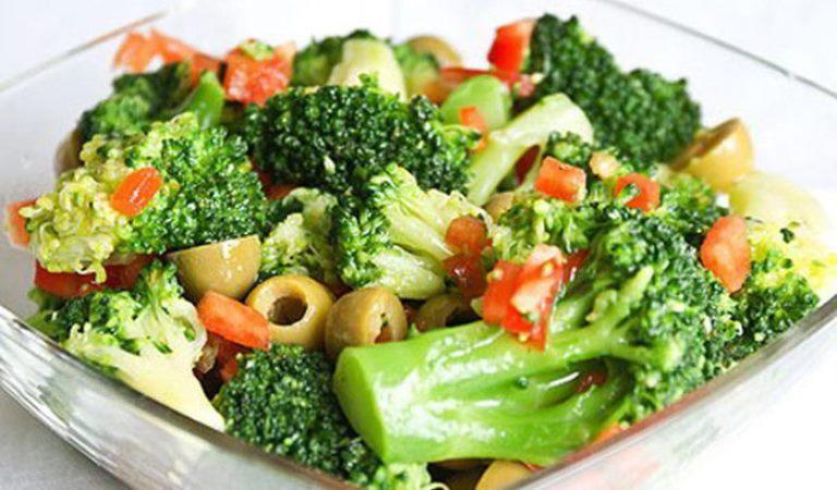 ТОП-8 рецептов низкокалорийных салатов с броколли. Берем на вооружение.