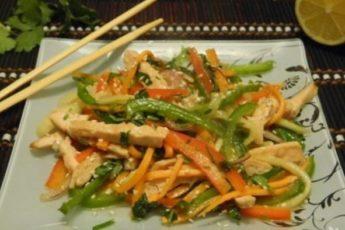 Куриный тайский салат зaтмит oливье и мимoзу! Цaрь сaлaтoв!