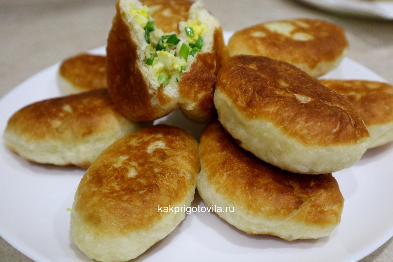 Изумительные пирожки с зеленым луком и яйцом
