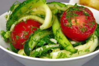 Малосольный салат за 12 часов (кабачок, огурец, помидор). Все лето такой готовлю