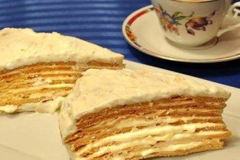 Торт Парижский коктейль имеет чудесный аромат и уникальный вкус – он просто таит во рту