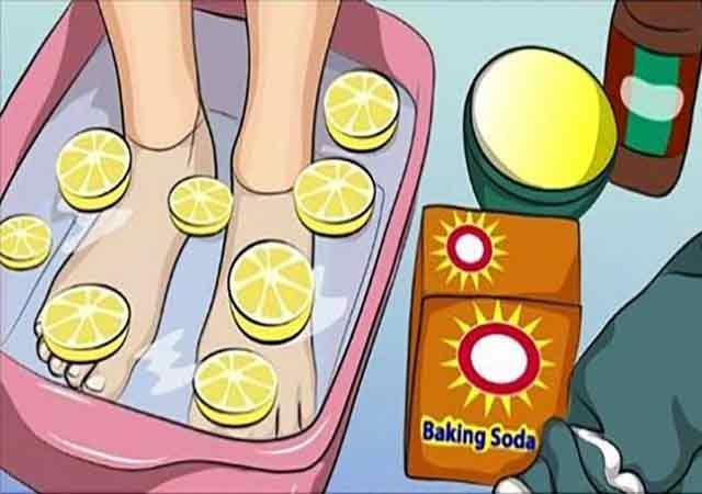 Бабуля научила меня делать лимонную ванночку для детоксикации всего тела. Теперь балую себя по вечерам ...