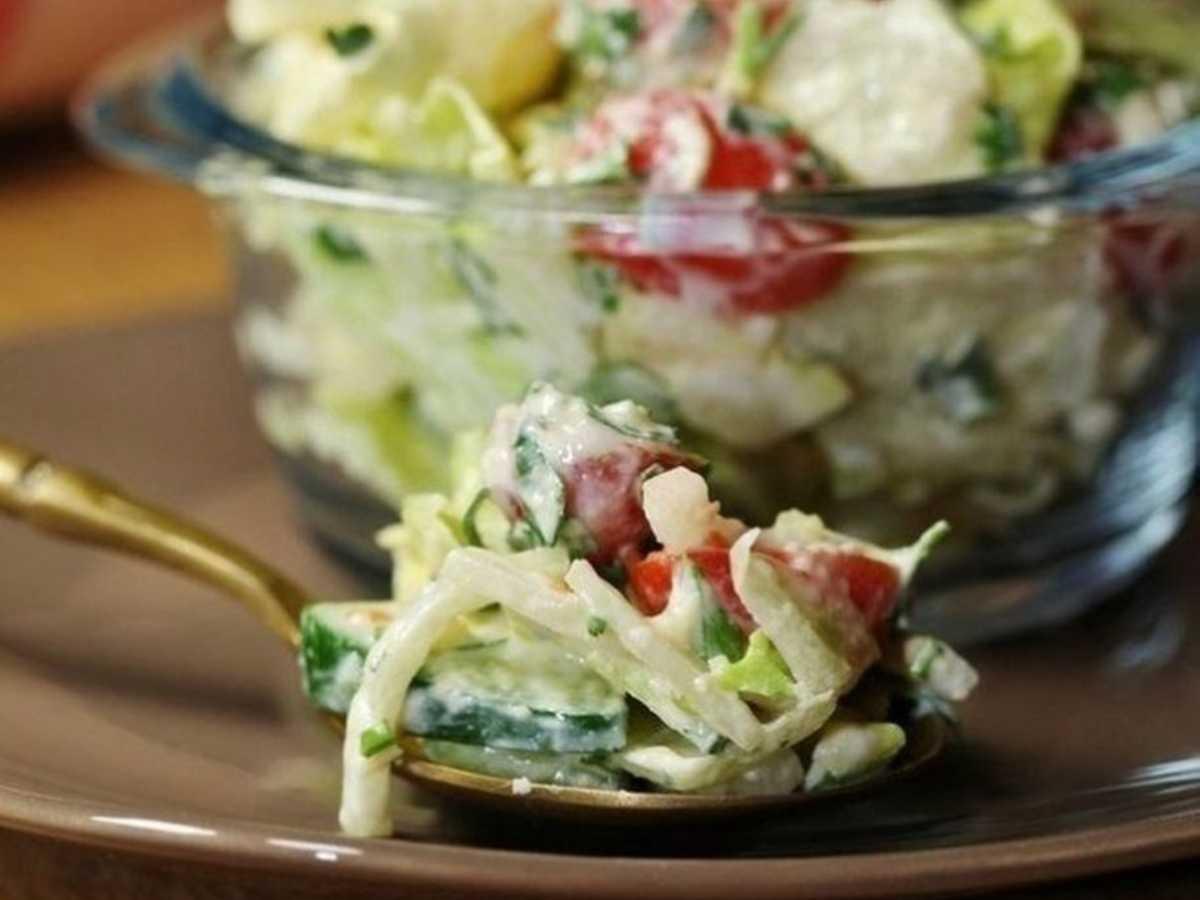 Вкусный, лёгкий салат с сырно-горчичной заправкой