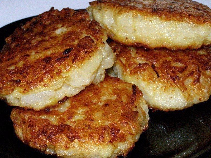 Постные овсяные котлеты употребляют в основном во время поста, однако они так же хорошо подходят для вегетарианского питания.