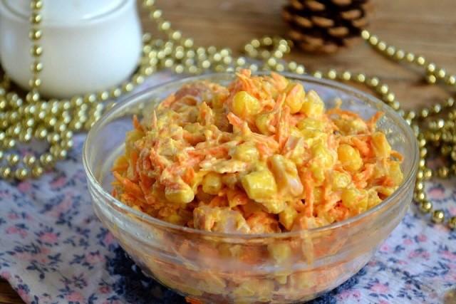 Салат с корейской морковкой и копченой курицей