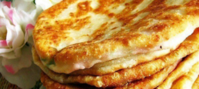 Бесподобные сырные лепешки на кефире в сковороде за 5 минут!