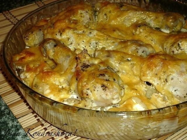 Картошка с куриными ножками в духовке.😘