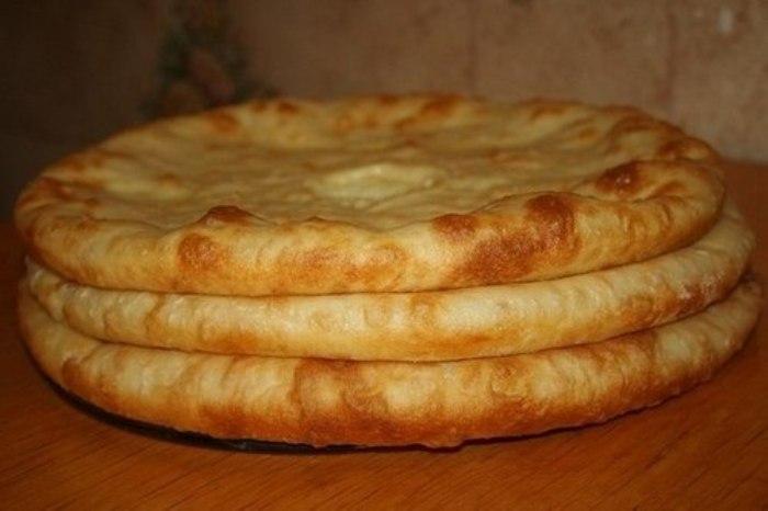 Осетинские пироги с мясом, с картофелем и сулугуни