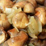 Рекомендую! Дежурный рецепт маринованных грибов к новогоднему столу, 20 минут — и готово. Улетели за один присест.