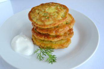 Оладушки из кабачка (по этому рецепту получаются пышными)