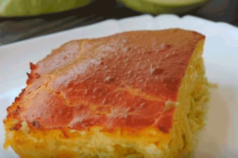 Очень простой наливной капустный пирог. Сочный и нежный