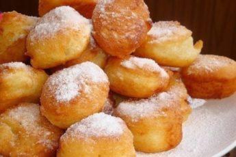 Пышные пончики с яблоком по рецепту моей бабули, а она уж точно знает в этом толк!