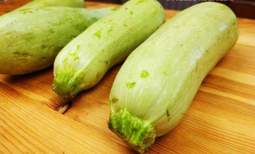 Новый рецепт «сливочных» кабачков: вкуснее, чем жареные или оладьи, только проще 1