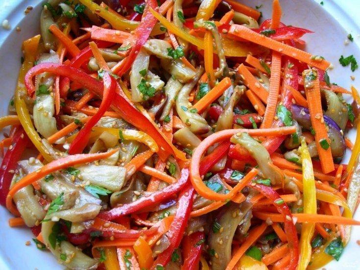 salat-iz-pertsa-baklazhanov-i-morkovi-po-koreyski-1