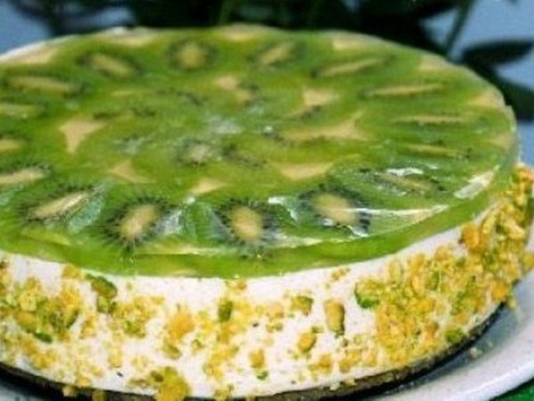 tvorozhnyj-tort-s-kivi