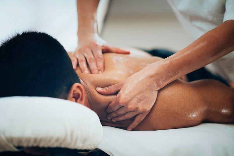 shoulder-massaging