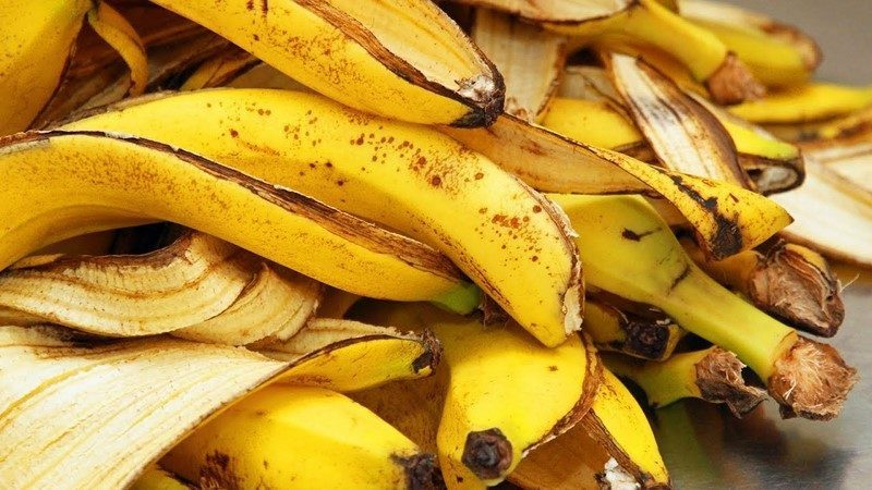 как замочить кожуру банана для полива цветов