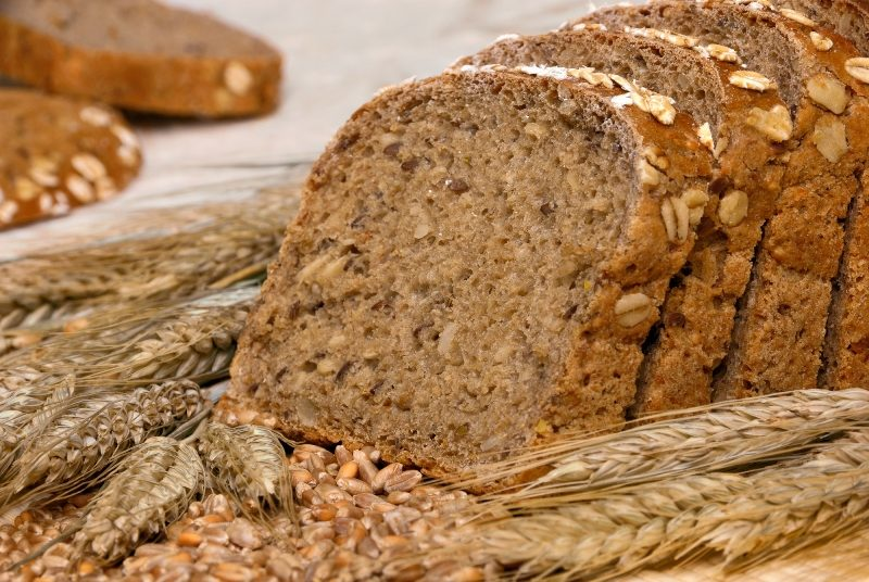 whole-grain-bread-and-cereals-2
