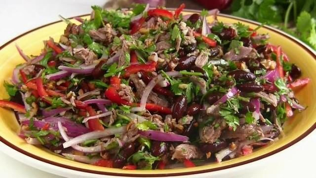bezumno-vkusnyj-salat-tbilisi-1