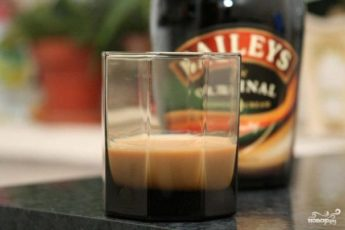 Ликер «Baileys» домашнего приготовления. Фото рецепт