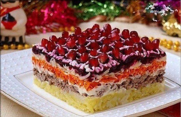 vkusnye-sloenye-salaty-na-prazdnichnyj-stol-27807e2
