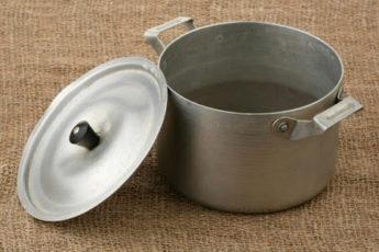 Супер эффективная чистка: 14 советов, как обновить посуду, мебель, обувь, полотенца