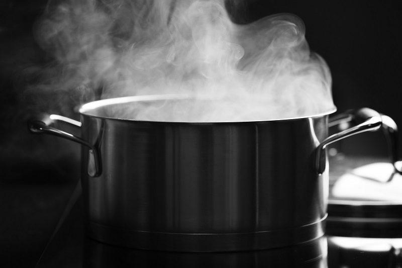 steam-over-saucepan-in-the-dark