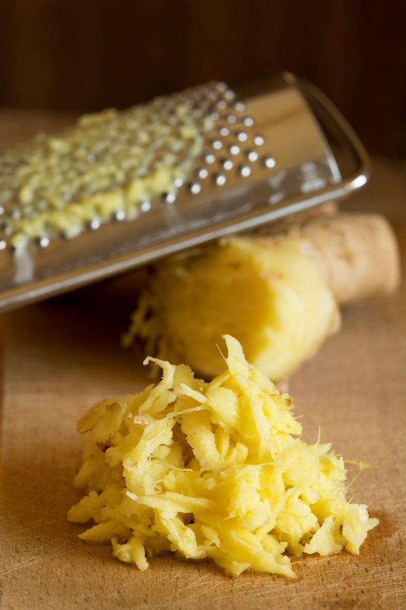 grated-ginger-and-ginger-root
