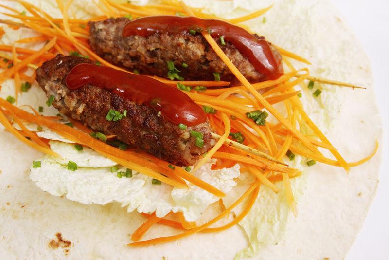lula-kebab-with-salad