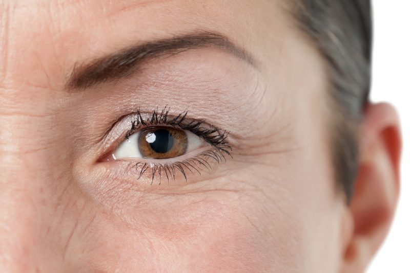 closed-up-brown-eye-of-an-old-woman