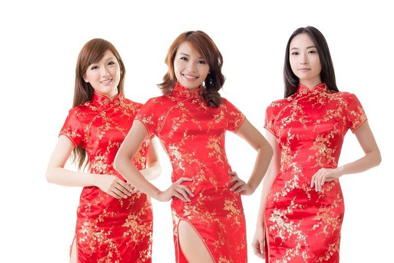 chinese-women-at-new-year