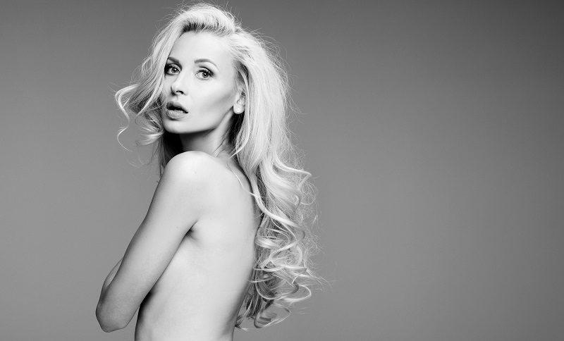 portrait-of-beautiful-blonde-woman