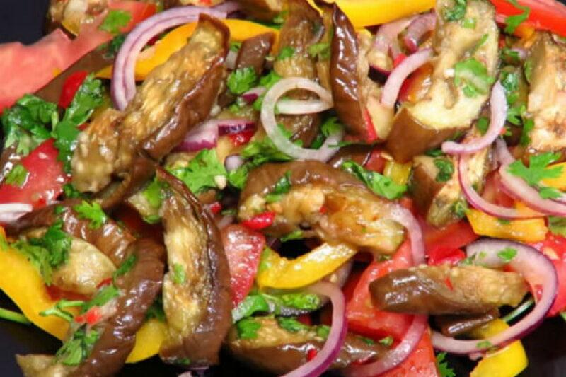 voshititelnyj-salat-iz-baklazhanov-prostoj-poleznyj-i-vkusnyj-1